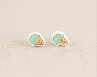 Acrylic stud earring - Ice cream (mint)