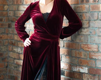 Red Queen, elegant dress, velvet dress. Элегантное бархатное платье