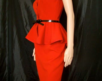 Straight skirt and top set style polyester sleeveless bright red suit