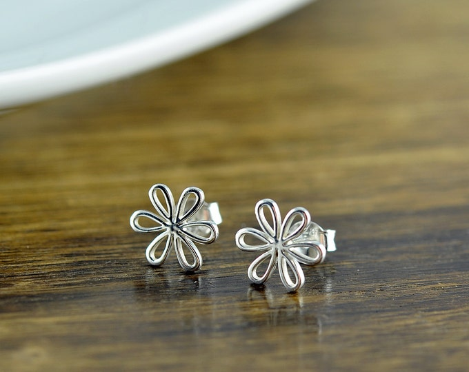 daisy earrings - flower earrings - stud earrings - silver jewelry - bff gift - silver earrings - bridesmaid earrings