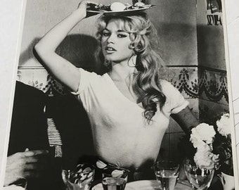 Original photo: Unknown photographer - Fotofest - Brigitte Bardot - 1958