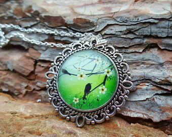 Beautiful necklace with timeless, fantasy motif necklace, jewelry, green, light green, birds, flowers