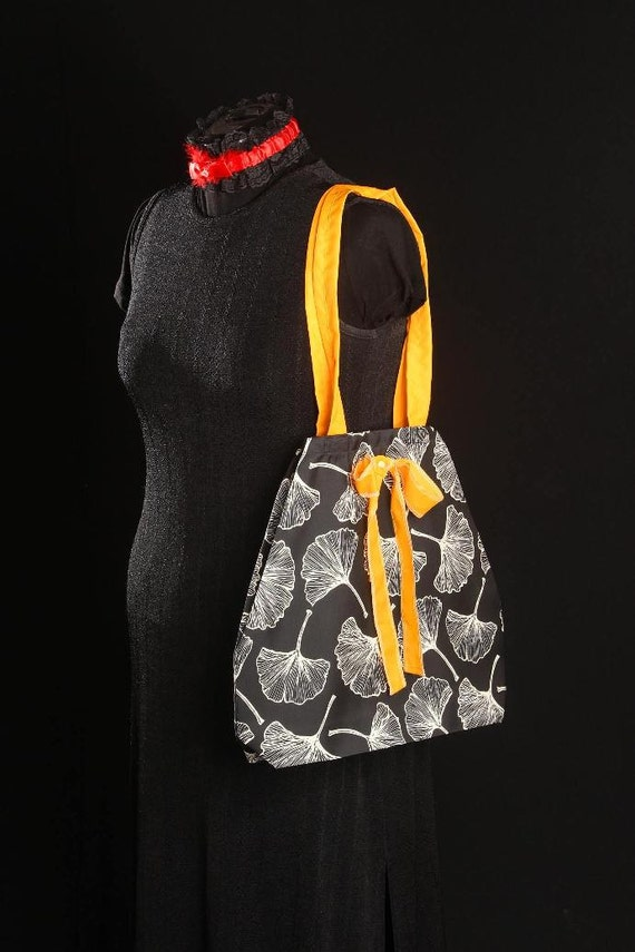 Beach Tote - Black and White, Yellow Bow (internal pocket for phones)
