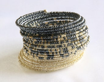 Memory wire bracelet - Silver and grey/blue