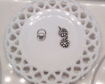 Westmoreland Vintage Milk Glass // Forget- Me-Not Lace Pattern // Reticulated Pattern // Milk Glass Dessert Plate