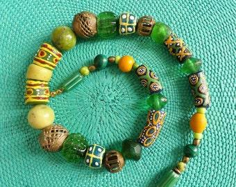 African beads // glass beads // ethno style // Krobo glass beads from Ghana //bronze beads // serpentin // green //  yellow