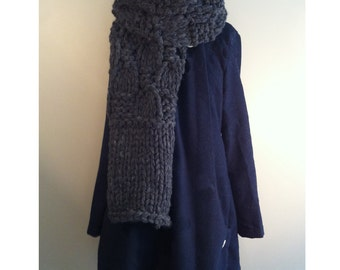 Hand made scarf with 100% canadian sheep wool