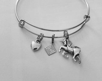 Unicorn with heart bracelet