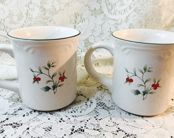 Pfaltzgraff Holiday Mugs in Winterberry - Pair - White Red Green