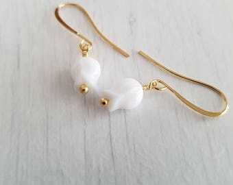 Vintage tulip glass beads, wire wrapped, gold plated earrings.