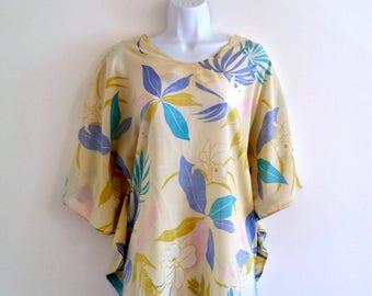Vintage Hawaiian Top 70s Floral Shawl Blouse - Size OS, 1970s Hawaii Shirt, Luau Dolman Batwing, Kimono Sleeve, Blue Green Cream, Flowers