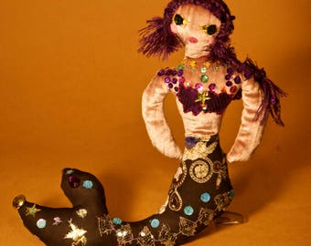 The Mermaid of the sea of money