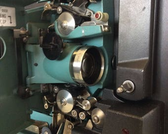 Bell & Howell 545 Filmsound Specialist 16mm Projector
