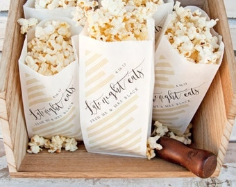 Wedding Favor Popcorn Bags - NYE or Evening Reception - Late Night Eats - Modern Popcorn favor - 20 Bags in each Pack