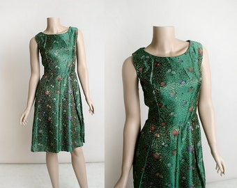 Vintage 1960s Brocade Dress - Emerald Forest Green and Gold Sleek Cocktail Party Dress - Hip Pleated Skirt - Formal Evening - Small