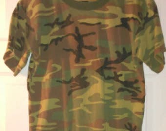 Vintage Woodland Camo Army Camo JR G.I. by Rothco size XL T-shirt 38-40 inch Chest Camo Clothing Wasteland Doomsday Prepper Free Shipping