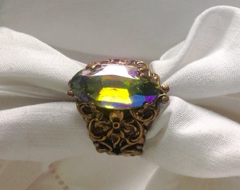oO MISTRAL Oo olivine green glass cabochon medieval brass ring