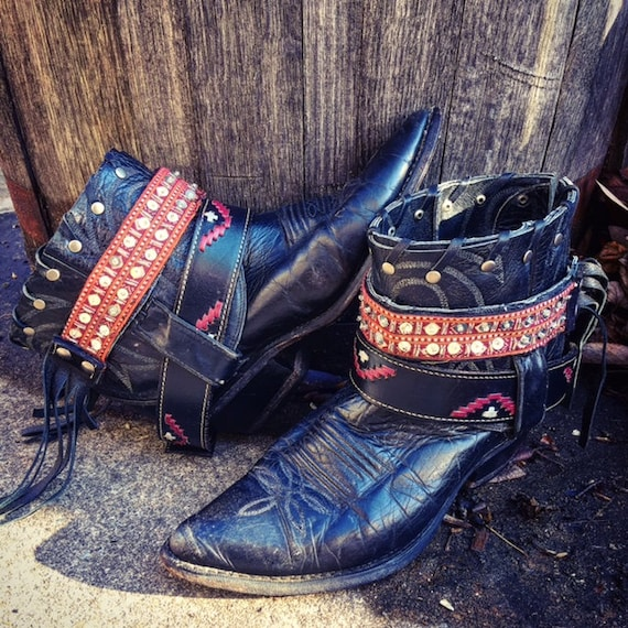 WILD WEST Saloon Reworked Leather Boots. Bohemian Gypsy Boots. Black Upcycled Boots. Women's Size 7 US // Ready to Ship