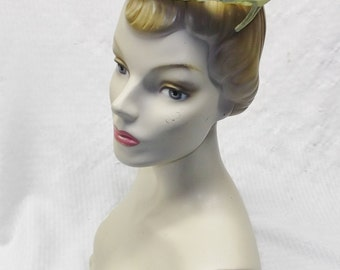 1960s Vintage Green Open Crown Circle Hat with Faux Pearls
