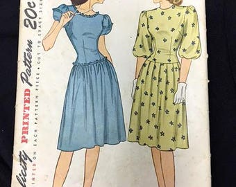 Vintage 1940s Dress Pattern Simplicity Sewing Sewing Pattern No. 1690 . 40s Junior Misses' One Piece Dress . Printed Pattern Complete