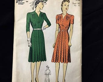 Vintage 1940s Women's Dress Pattern DuBarry Sewing Pattern No. 5196 . 40s Pattern Complete with Instructions Bust 40 Hip 43