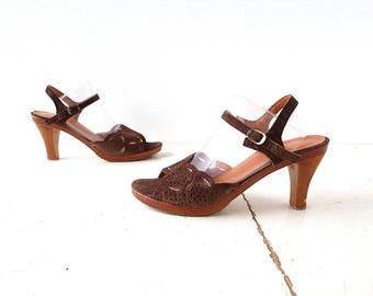 Vintage 70s Sandals | Wooden Heels | High Heel Sandals | Size 7