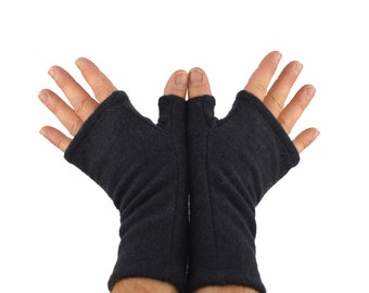 Mens Cashmere Fingerless Gloves in Navy Charcoal - Upcycled Wool
