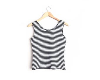 Size S // STRIPED TANK TOP // Black & White - Sleeveless - Scoop Neck - Stretchy - Textured Fabric - Vintage '90s.