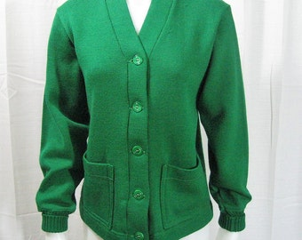 40s 50s Vintage Sweater Varsity Letter Cardigan Kelly Green Wool, Wilson Sports Equipment USA, Athletic College High School Campus, Chest 38