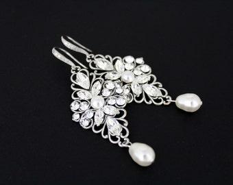 Bridal earrings, Wedding jewelry, Crystal earrings, Wedding earrings, Bridesmaid earrings, Vintage style earrings, Chandelier earrings