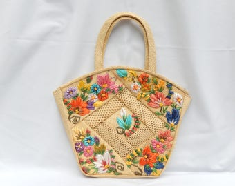 vintage straw purse, Summer purse, floral, lined, zipper, colorful, bag and purses
