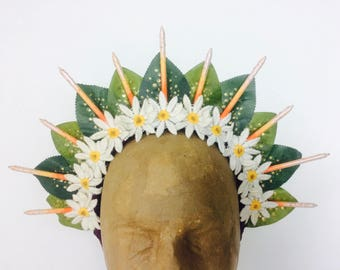 Daisy Trim Leaf Spike Halo Headpiece