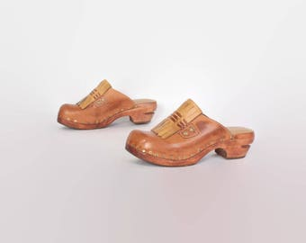 Vintage 70s Leather CLOGS / 1970s Brown Platforms 8 1/2 39