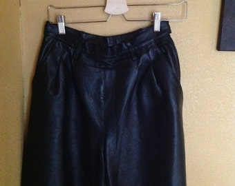 90s Black Leather Shorts High Waisted Medium M