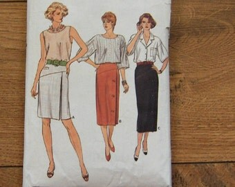 vintage 1985 vogue pattern 9250 misses straight skirt in 3 lengths shaped front yokes side zipper front button opening sz 14-16