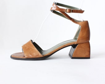 Vintage Ann Taylor Brown Leather Ankle Strap Chunky Heel Sandals, size 7