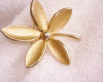 Trifari Flower Gold Tone Brooch