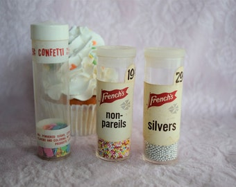 FRENCH'S CAKE DECORS Confetti Silver Non Pareils Sugar Fancy Trim Cookie Cupcake Nonpareils Candy Sprinkle Plastic Kitchen Spice Lot Set