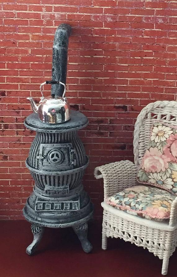 Miniature Pot Belly Stove, Aged Gray Stove, Dollhouse Miniature, 1:12 Scale, Dollhouse Kitchen, Decor, Accessory, Mini Stove