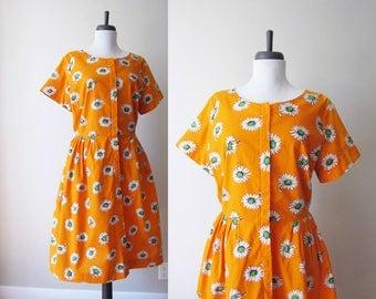 Vintage 1960s Dress / Orange Daisy Cotton Mod Print Fit & Flare Shirt Dress / Size Large XL Plus Size