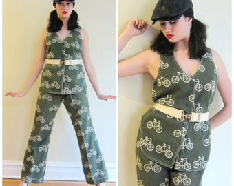 Vintage 1970s Bicycle Print Tunic Vest and Flare Pants Set / 70s Pant Suit in Olive Green and White Novelty Print / Medium
