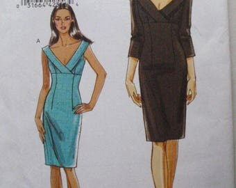 Very Easy Vogue Sewing Pattern - Empire Waist Dress - Vogue 8532 - Sizes 4-6-8-10, Bust 29 1/2 - 32 1/2, Uncut