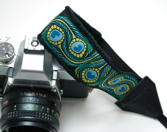 Camera Wrist Strap - DSLR Camera Strap - Feathers - Gifts for Photographer Birthday - Padded Camera Strap - Nikon Strap - Canon - Peacock