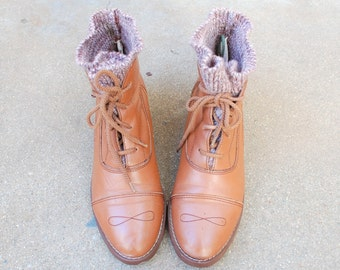 Vintage Womens 7.5 Brown Leather Cap Toe Ankle Boots Boot Bootie Booties Oxfords Hightops Medallion Toe Boho Spring Fashion Hipster Moto Mod
