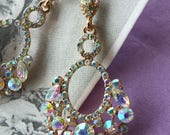 Wedding chandelier earrings with vintage 1920s style Gatsby wedding
