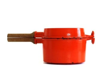 Dansk Designs Pan Orange Enamel Cast Iron Saucepan / Skillet Lid, Wood Handle Cookware, Jens Quistgaard Finland IHQ