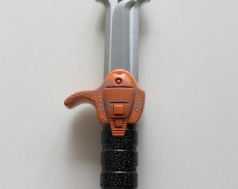 Vintage Star Trek Klingon Daqtagh Knife Toy 1997