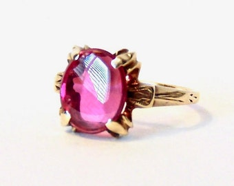 Vintage Ruby Red Glass Ring in 10K Yellow Gold, 1940's Ring,Faux Ruby