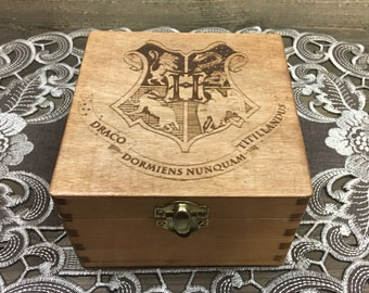 Hogwarts House Box - Harry Potter Crest Gryffindor Slytherin Ravenclaw Hufflepuff Stash Jewelry Treasure Wooden Box - Laser Engraved Hexagon