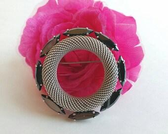 Vintage Sleek Minimalist Black Rhinestone & Chain Mail Circular Wreath Brooch- Geometric Chainmail Silver Tone Mid Century Modern Retro